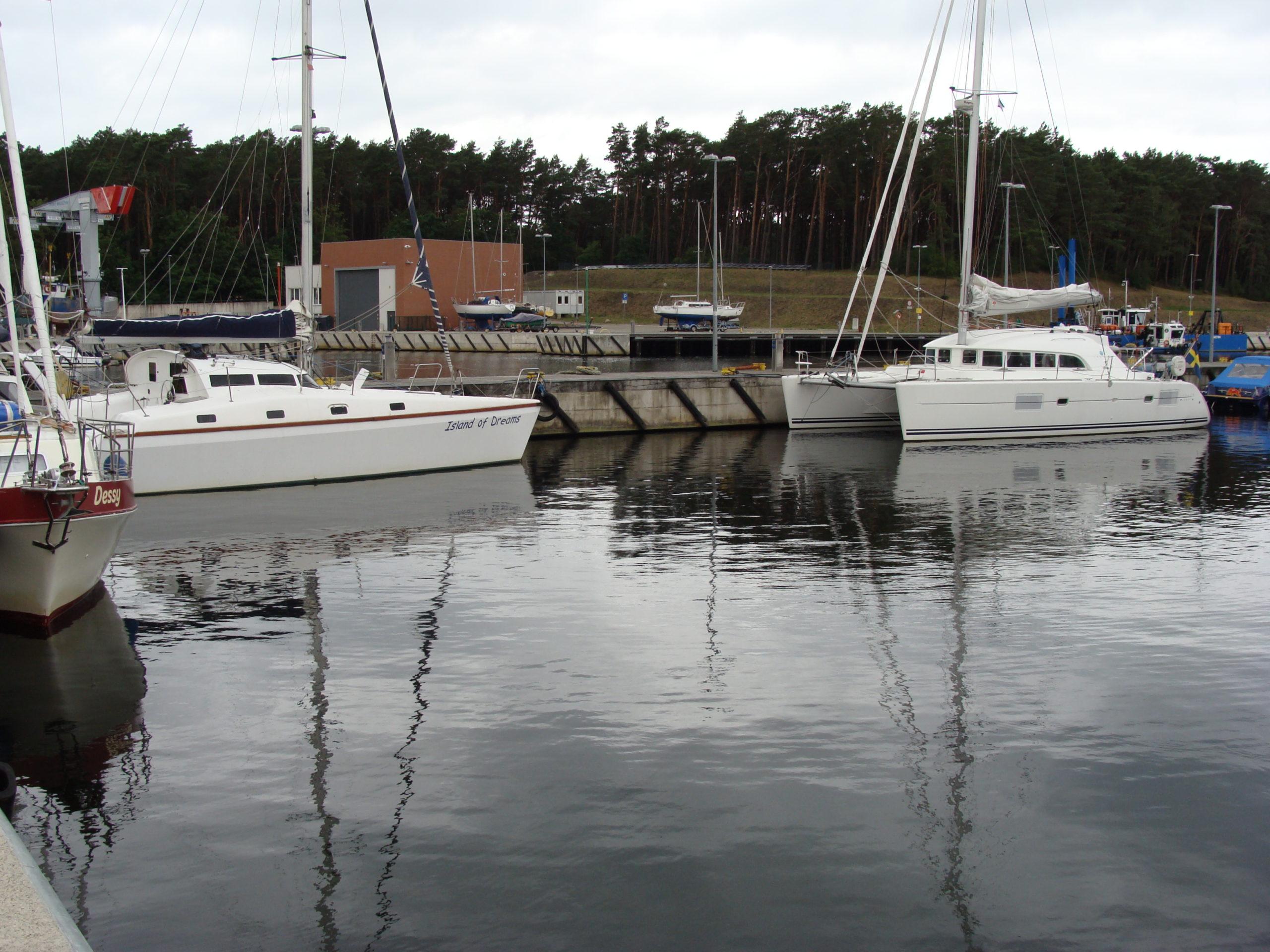 Jacht morski 21