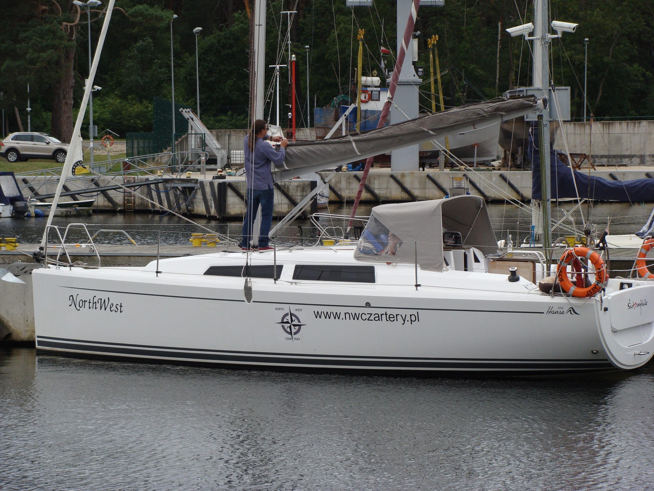 Jacht morski 17