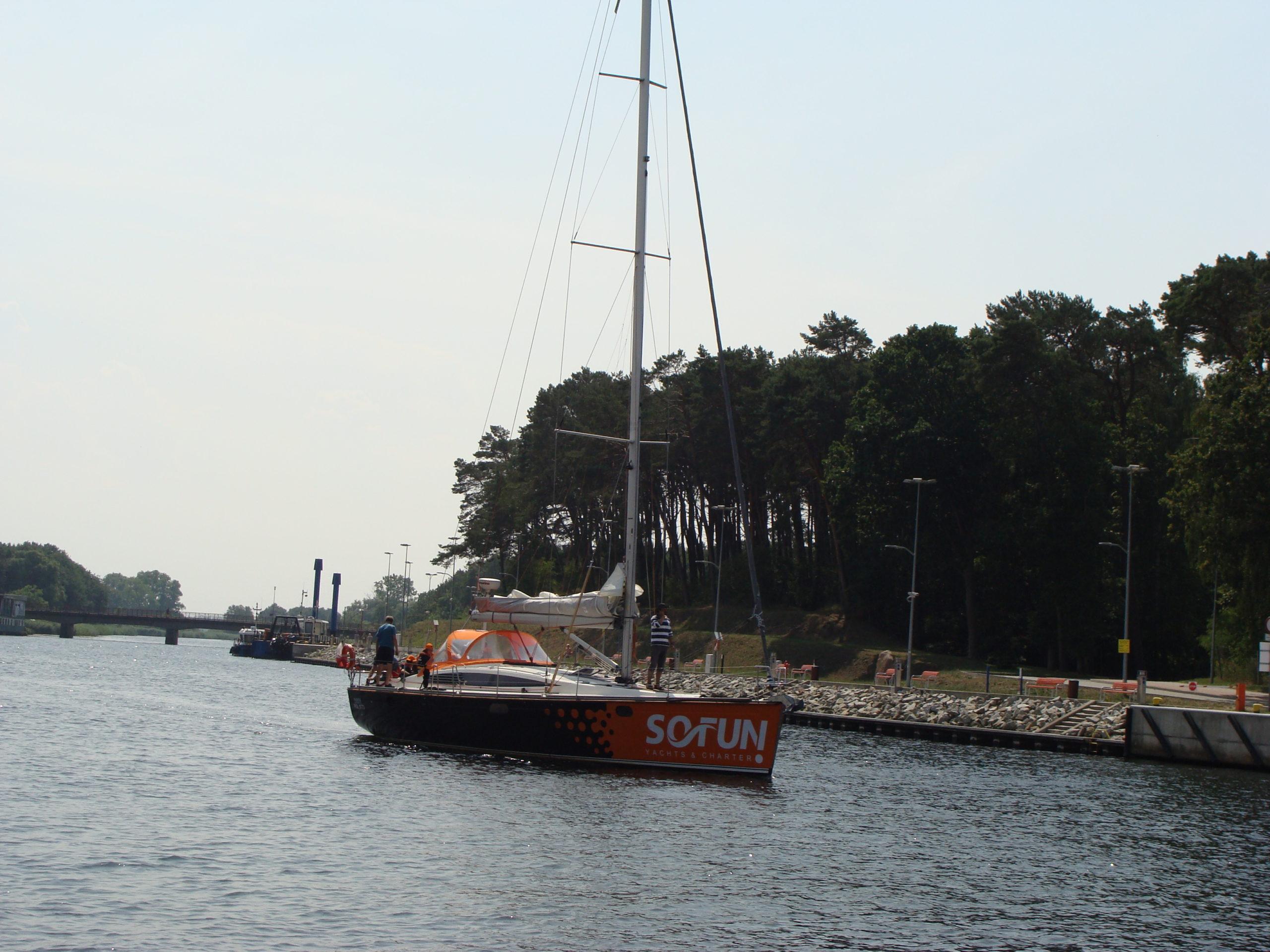 Jacht morski 4